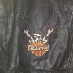 New harley jacket size medium..